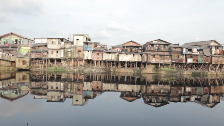 Slums along Pluit River 1